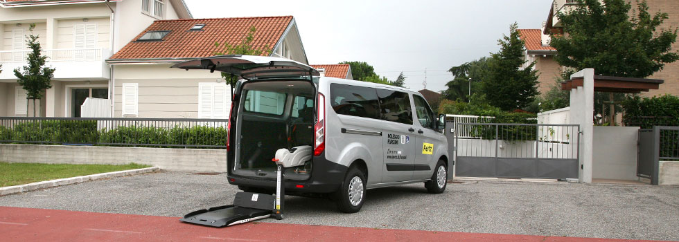 Wheelchair Accessible Ford Transit Custom Standard Roof